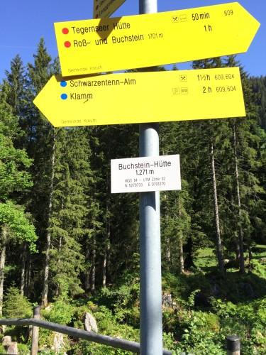 Die Buchsteinhütte liegt auf 1271 m. Steht da.