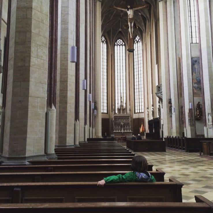 Zuerst Regenschauer in Landshut und Unterschlupf in der Martinskirche ...