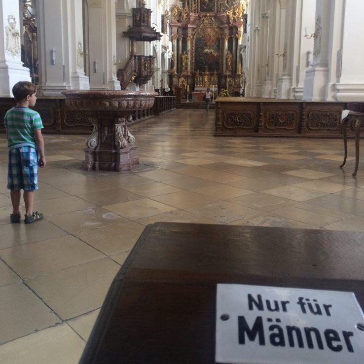 Im Kloster gibt es noch Regeln!